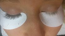 Vorher-Nachher Wimpernverlängerung mit Seidenwimpern